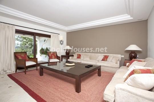 46353 942012 foto 2 - Beautiful Villa for sale in San Roque (Cádiz)