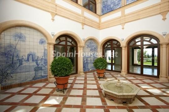 46353 942012 foto 3 - Beautiful Villa for sale in San Roque (Cádiz)