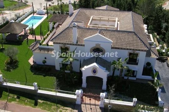 46353 942012 foto 6 - Beautiful Villa for sale in San Roque (Cádiz)