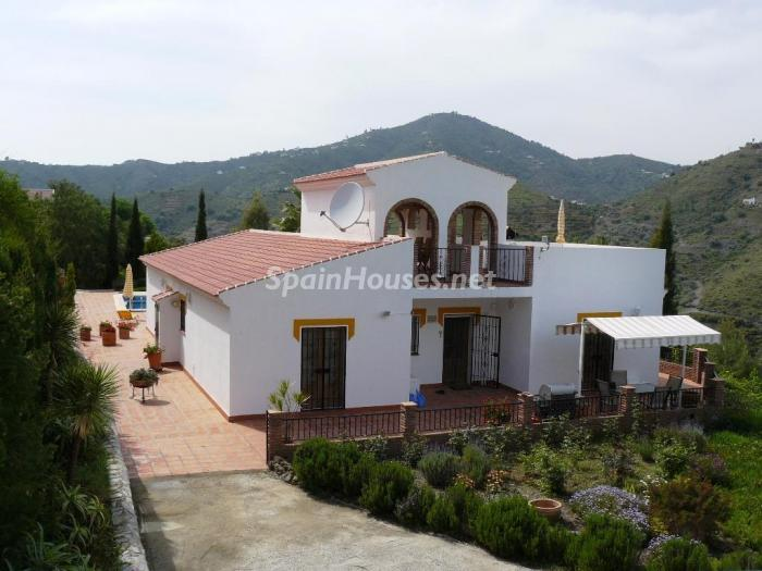 48747 1197443 foto24928965 - Lovely Country Style Villa for Sale in Torrox (Malaga)