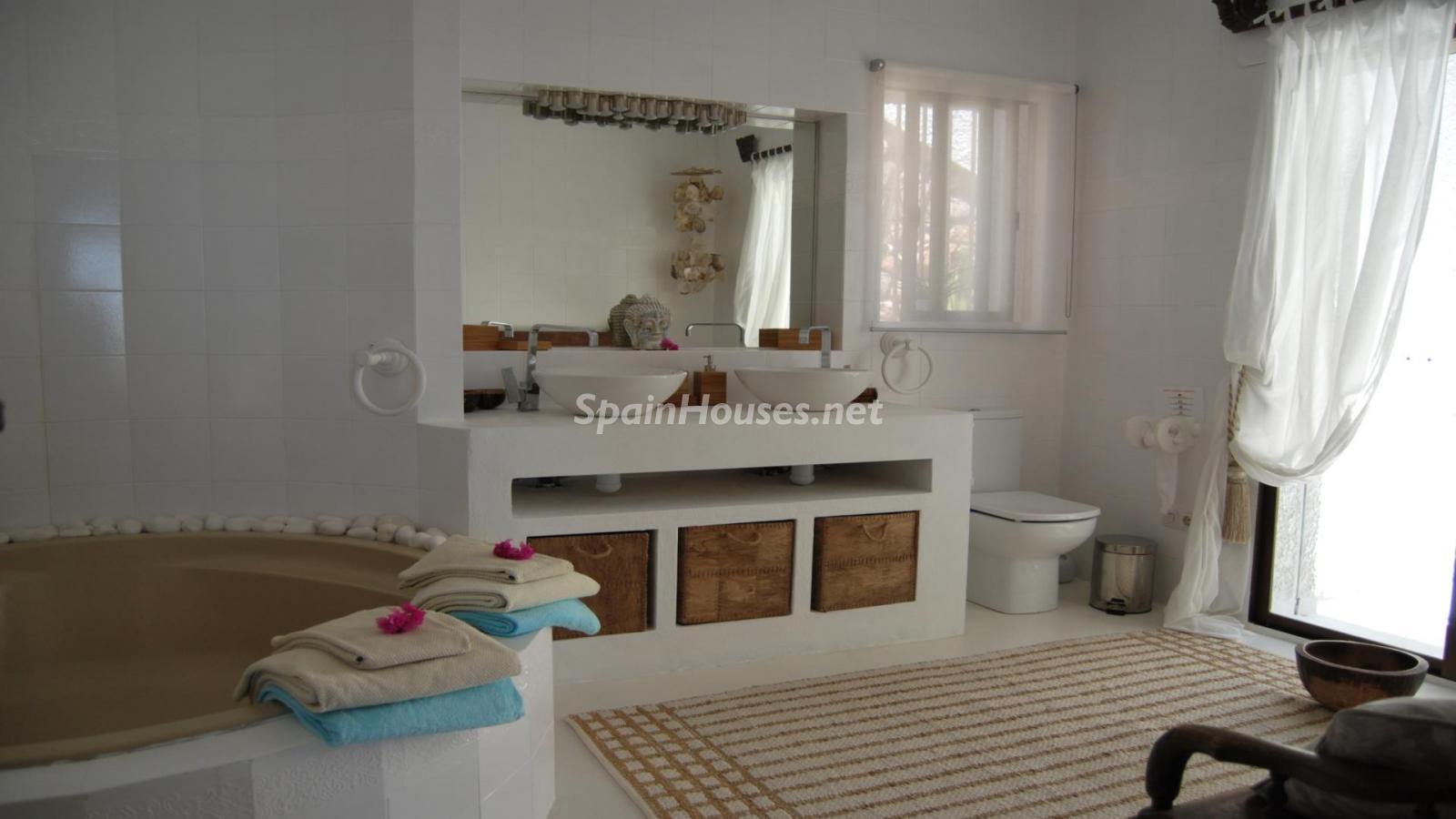 49335 2014903 foto 670341 - Exotic villa in Salobreña, Granada