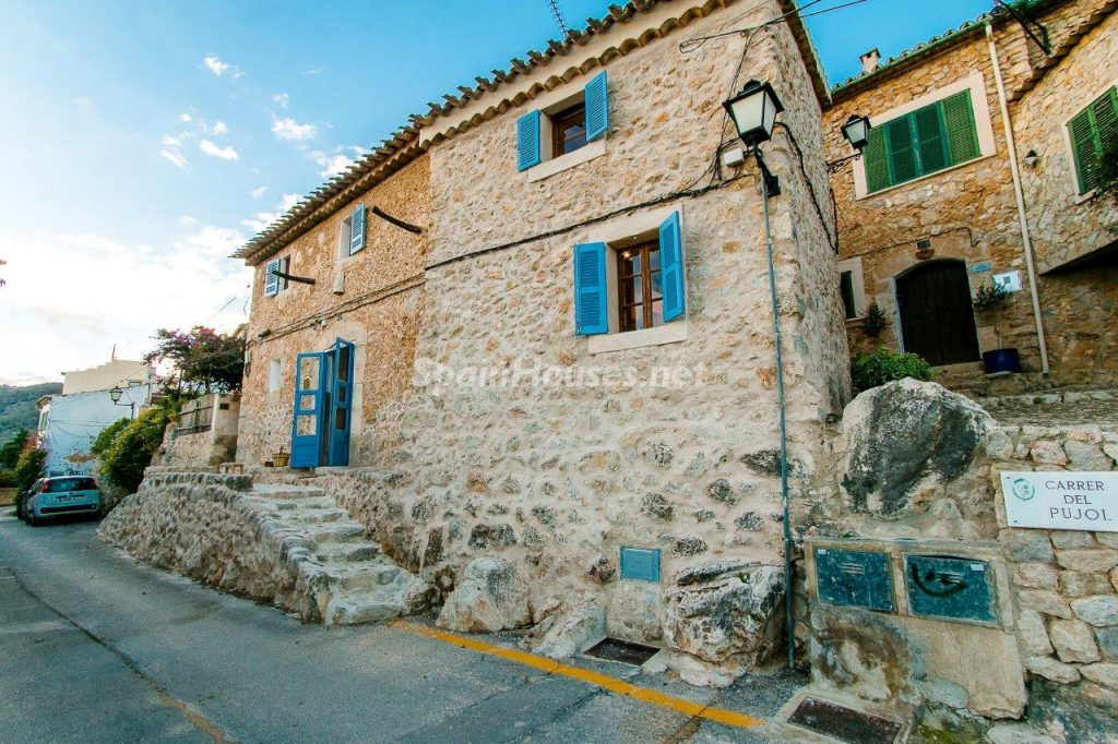 49494 1918321 foto 129057 1024x682 - Typical Mallorcan house completely renovated in the small town of Alaró
