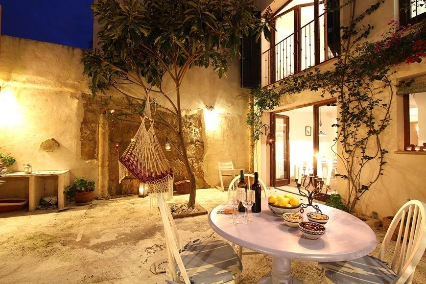 49494 2084886 foto 064371 - Find out the charm of this traditional Mallorcan house in Pollença, Balearic Islands