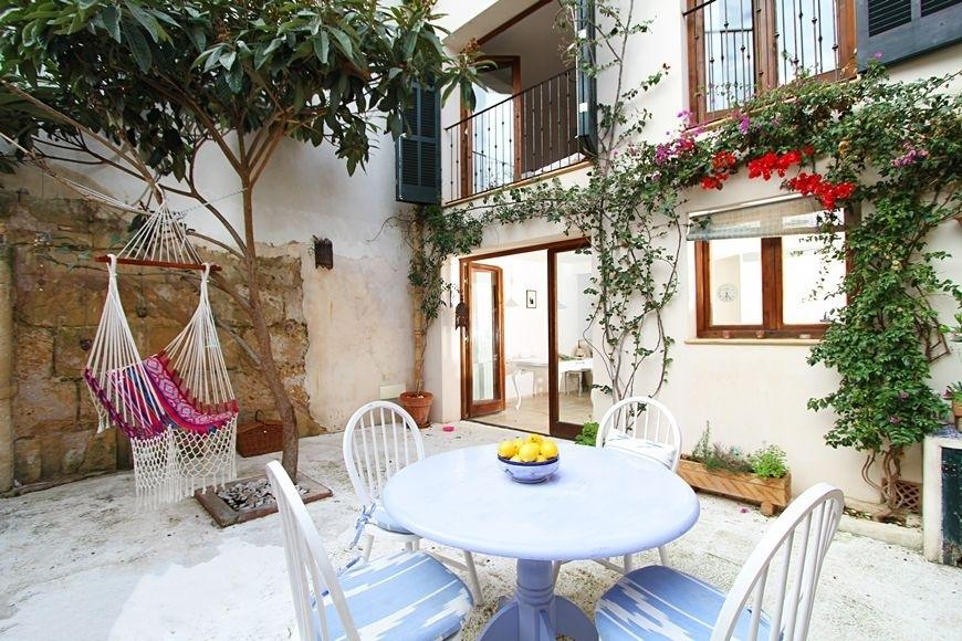 49494 2084886 foto 510956 - Find out the charm of this traditional Mallorcan house in Pollença, Balearic Islands
