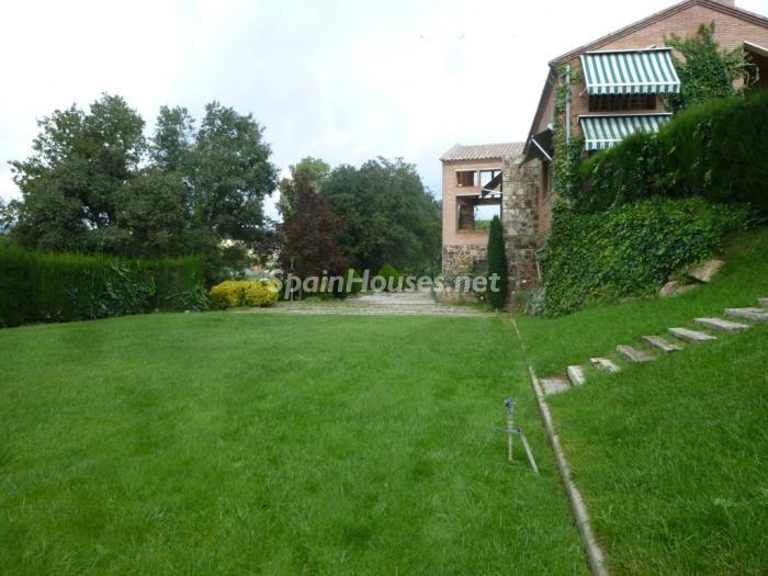 5 House for sale - Large Mountain House For Sale in Caldes de Montbui (Barcelona)