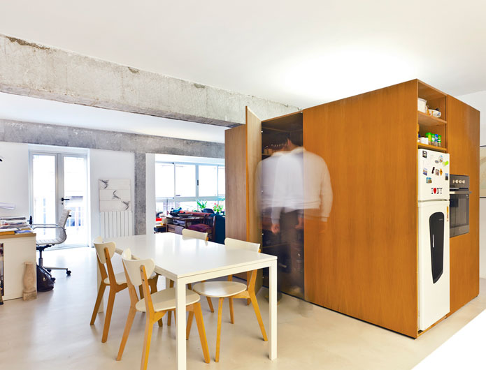 5. Apartment Refurbishment by vilaseguiarquitectos.com