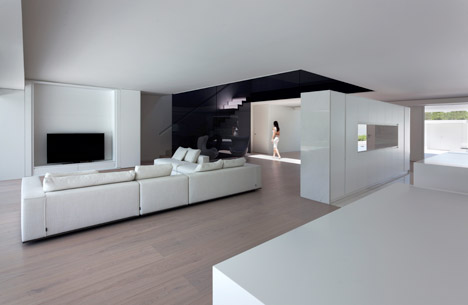 5. Balint House - Balint House by Fran Silvestre Arquitectos in Bétera (Valencia)