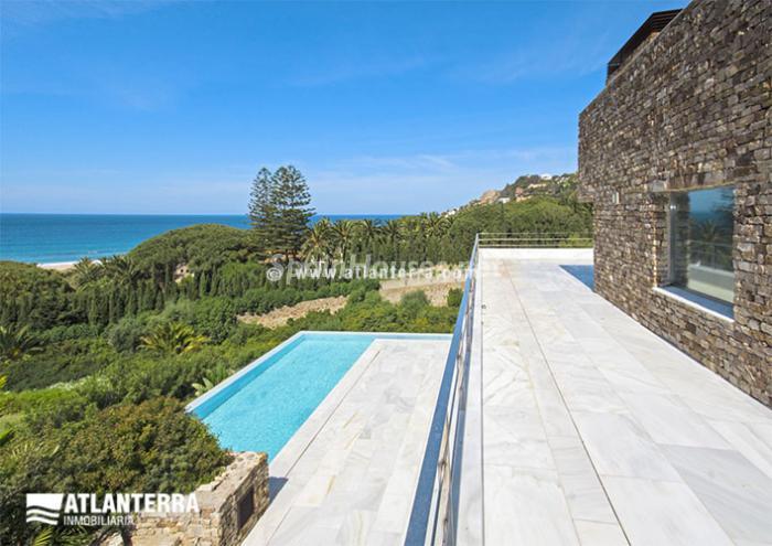 5. Detached villa for sale in Zahara de los Atunes