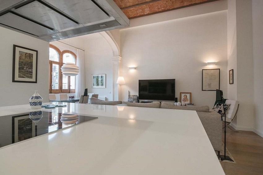 5. Flat for sale in Eixample Barcelona - For sale: Apartment in Eixample, Barcelona city centre