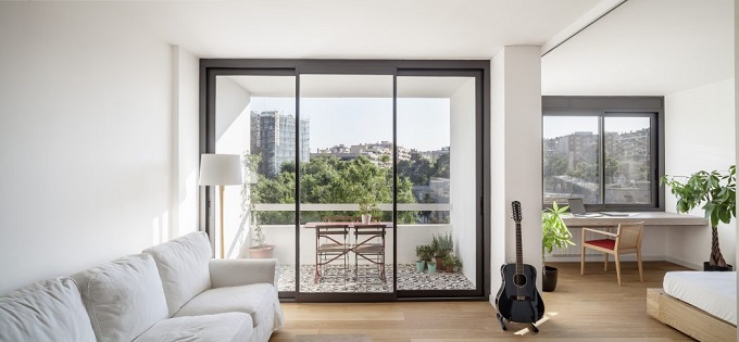 5. Home in Barcelona by Roman Izquierdo Bouldstridge