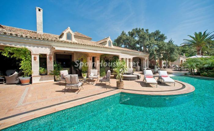 5. House for sale in Benahavís Málaga - For sale: Impressive villa in Benahavís (Málaga), don't miss the pictures!