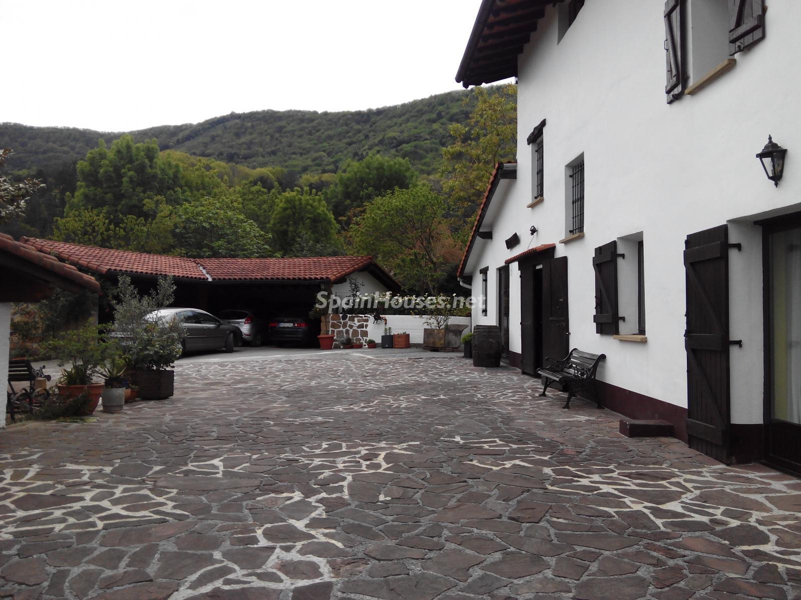 5. House for sale in Hondarribia Guipúzcoa - Charming Country House in Hondarribia, Guipúzcoa