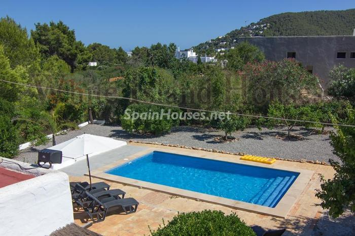 5. House for sale in Santa Eulalia del Río Balearic Islands - On the Market: Detached House in Santa Eulalia del Río, Balearic Islands