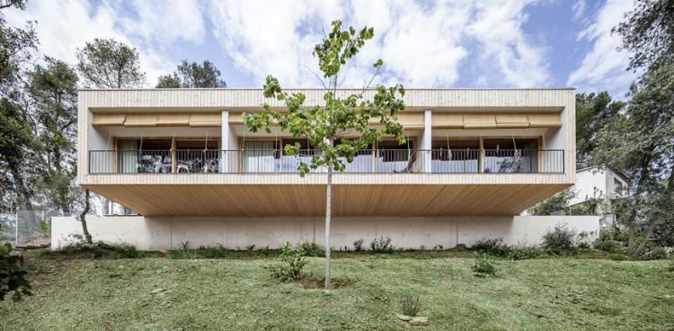 5. Modern residence Barcelona1 e1447837481135 - House LLP in Barcelona by Alventosa Morell Arquitectes