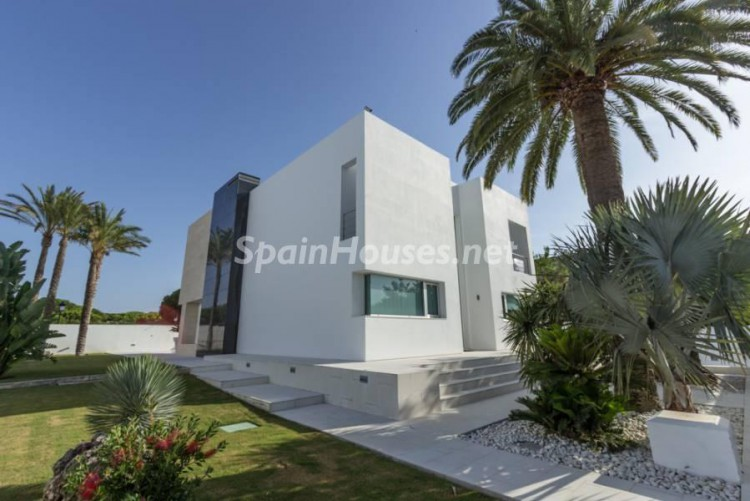 5. Modern style house for sale in Chiclana de la Frontera (Cádiz)