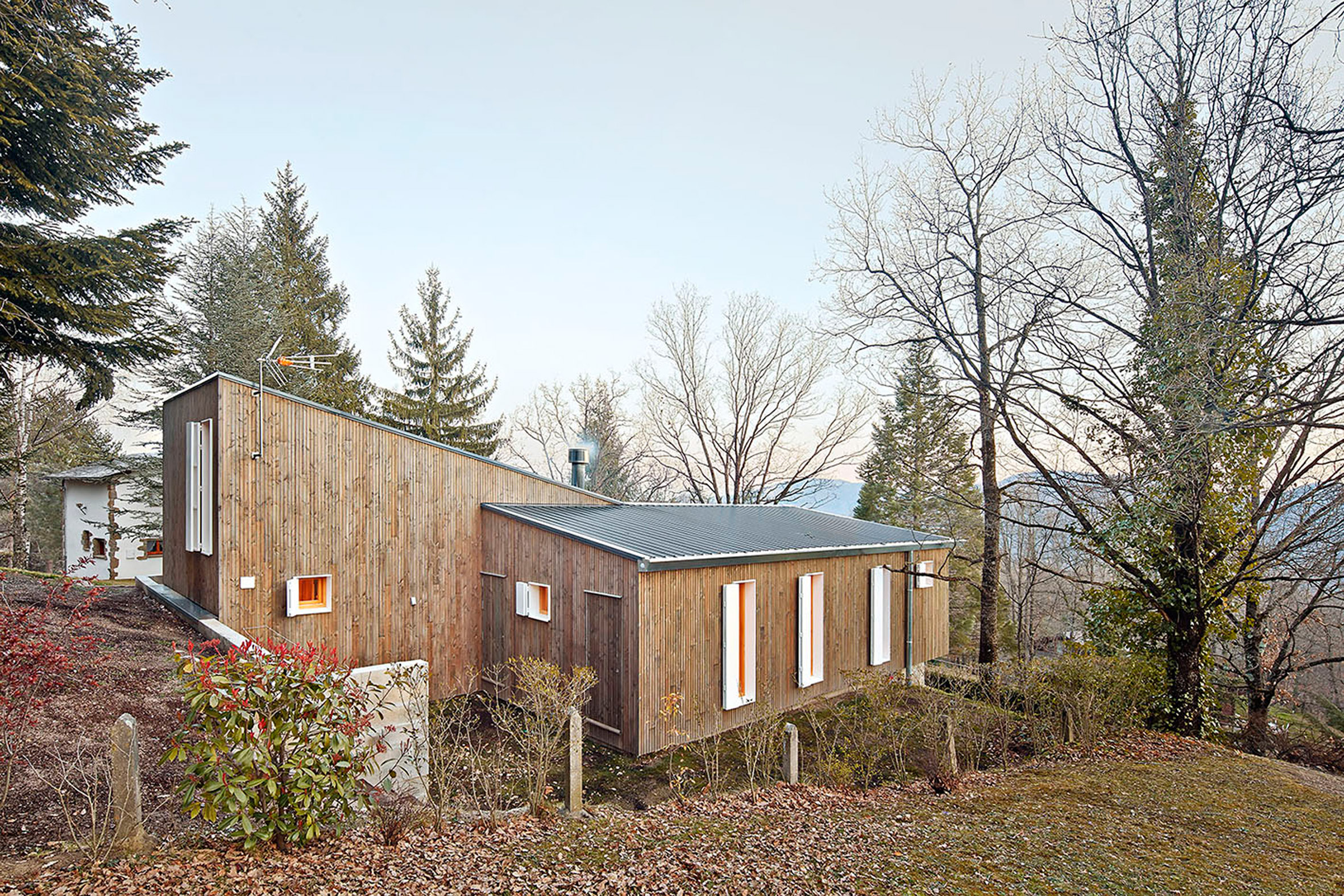 5. Prefababricated wooden home in the Pyrenees by architect Marc Mogas - Prefabricated wooden home in the Pyrenees by architect Marc Mogas