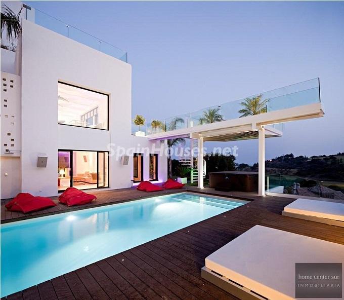 5. Villa for sale in Benahavís - For Sale: Luxury Villa in Benahavís, Costa del Sol, Málaga