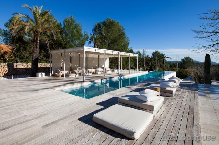 5. Villa for sale in Ibiza Balearic Islands - For Sale: Stunning Villa in Ibiza, Balearic Islands