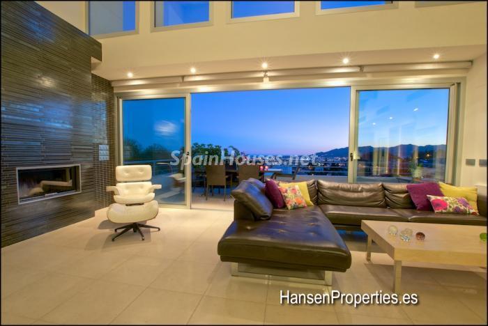 514 - Modern Style Villa for Sale in Malaga City
