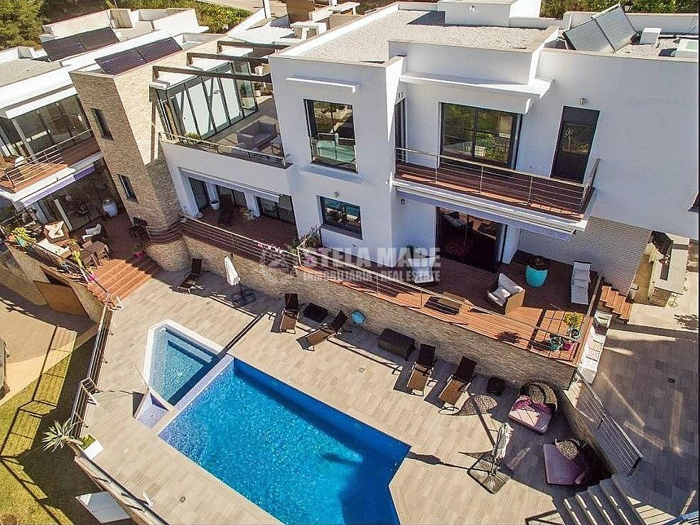 51743606 2793367 foto 691745 - Enjoy the charm of Nerja in this villa with 3 independent houses. Designed to enjoy with the family