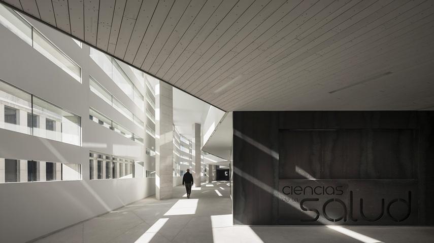 525 - Architecture: Health Sciences Faculty in Granada