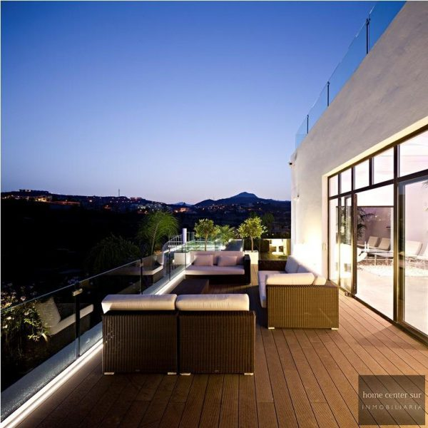 52724 1749334 foto 225051 600x600 - This famous architect reinvented the design and the avant-garde with this villa in Marbella