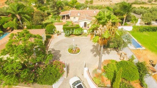 52724 1875764 foto 176591 e1487078115201 - Looking for a tranquil life in the country? Don't miss these gorgeous Andalusian estates