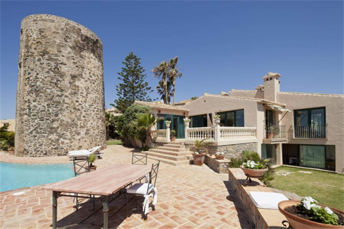 5304138 2215604 foto 100266 - Panoramic views in a villa built next to a historic tower. Find out the elegance of Mijas, Málaga