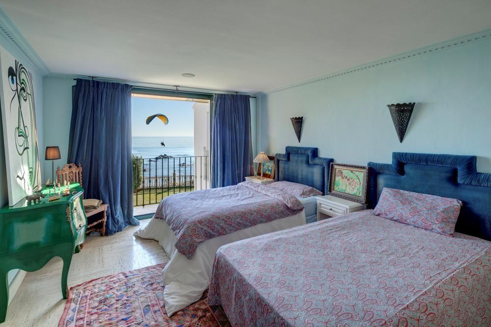 5304138 2215604 foto 960502 - Panoramic views in a villa built next to a historic tower. Find out the elegance of Mijas, Málaga