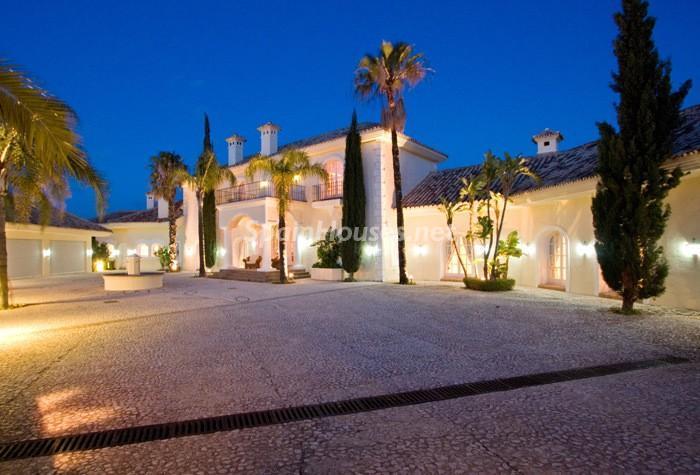 551 - Beautiful Villa for Sale in Benahavís, Málaga