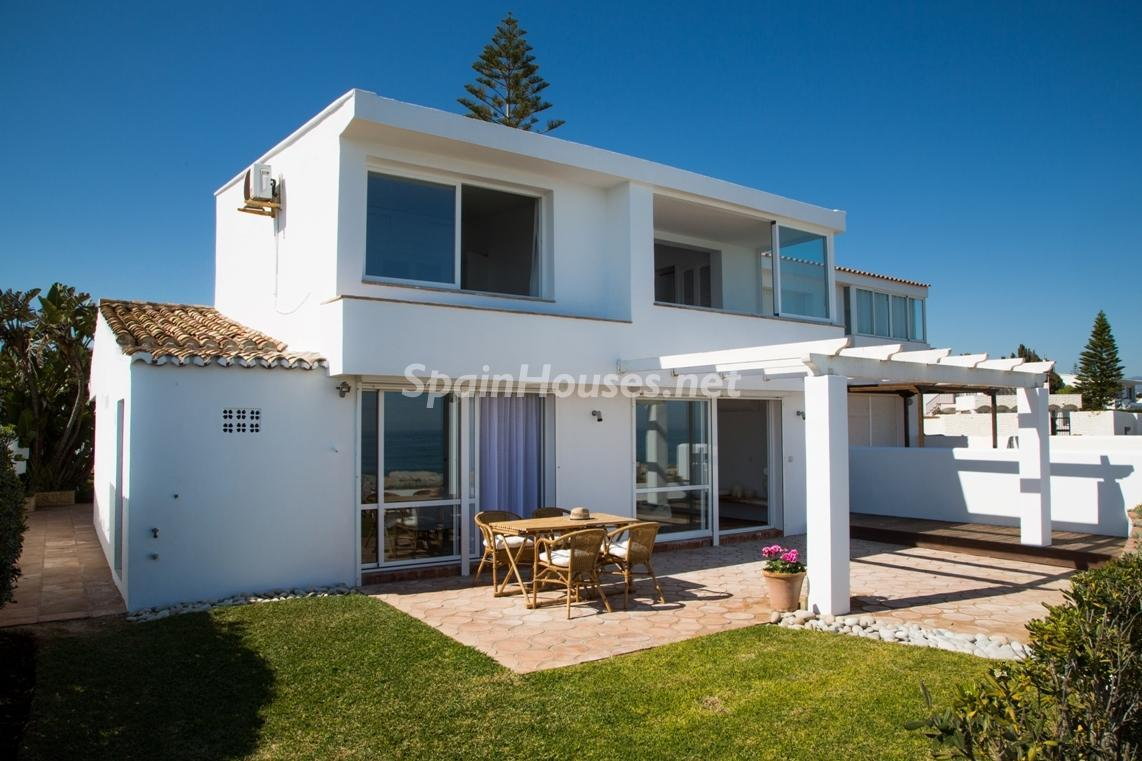 55495 1943993 foto 171973 - Find your dream home in Spain: these ones are close to the beach!