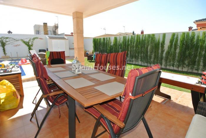 560 - Beautiful Detached Chalet for Sale in Torrevieja (Alicante)