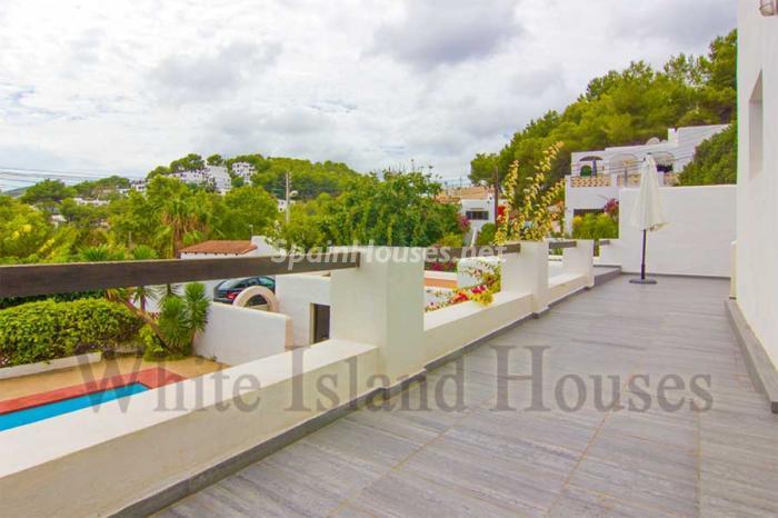 561 - White and Minimalist Villa for Sale in Ibiza, Balearic Islands