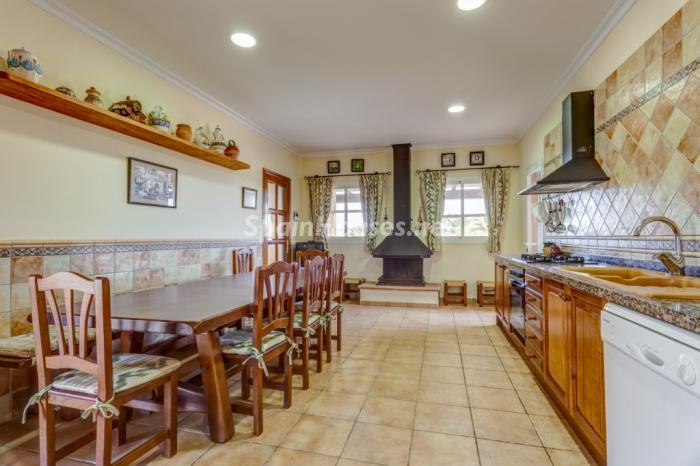 563 - Charming Country Villa For Sale in Campos (Mallorca, Baleares)