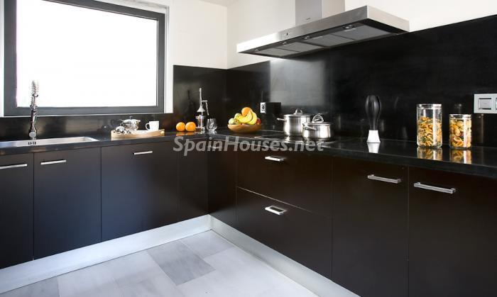 56602 658716 foto 4 - Reduced Super Apartment in Valencia