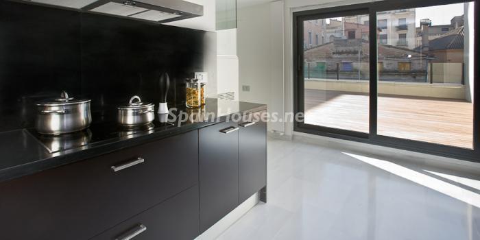 56602 658716 foto 5 - Reduced Super Apartment in Valencia
