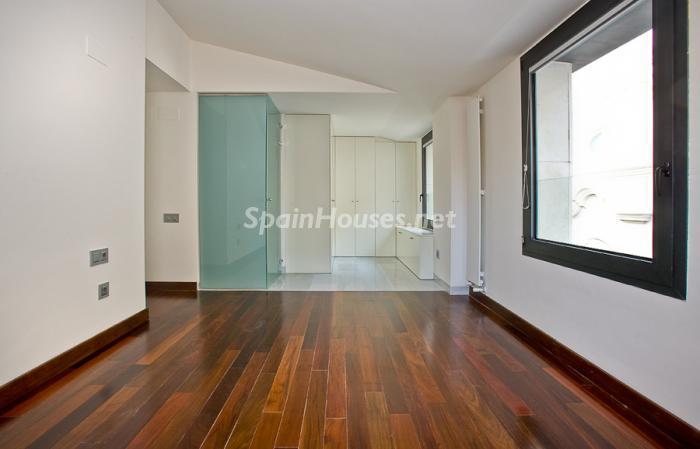 56602 658716 foto 8 - Reduced Super Apartment in Valencia