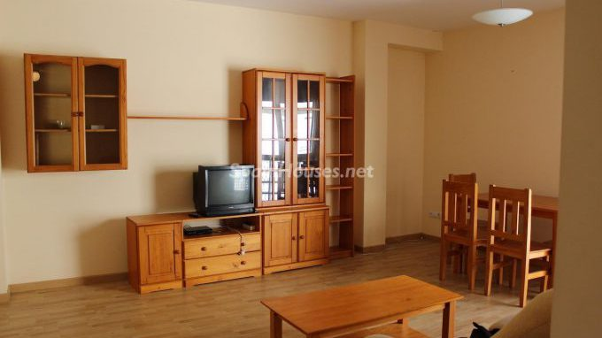 56764 1896855 foto 798076 e1485345869772 - 6 Homes to rent in Spain, under €790 per month