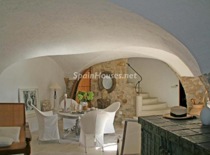 586529 45830 4 - 18th Century Country House in Sils, Girona