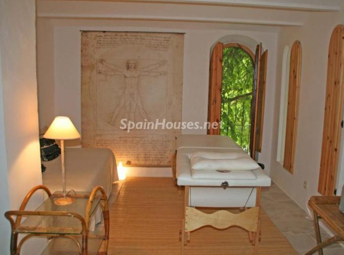 586529 45830 8 - 18th Century Country House in Sils, Girona