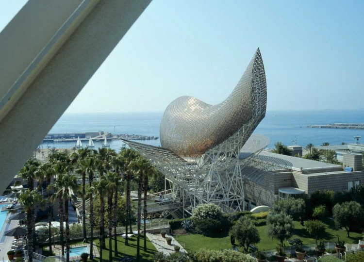 6 Golden fish e1414573809983 - Architect Frank Gehry receive the Prince of Asturias Award for the Arts