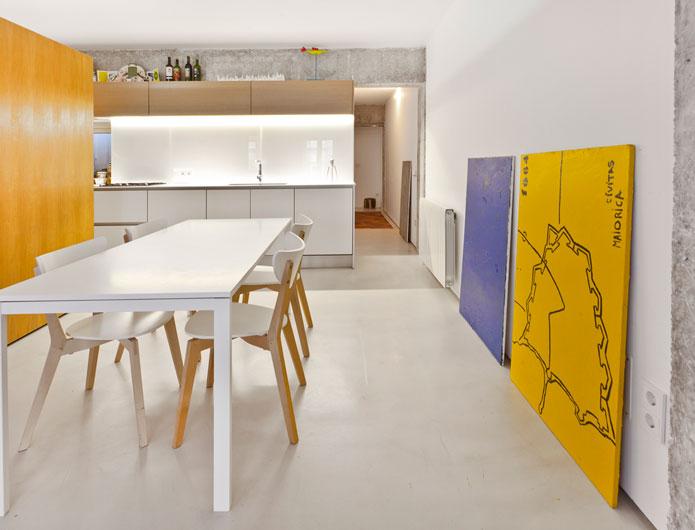 6. Apartment Refurbishment by vilaseguiarquitectos.com
