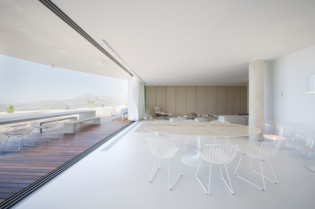 6. Apartment in Alicante by LOFT4C - Gorgeous Rooftop Apartment in Alicante by LOFT4C