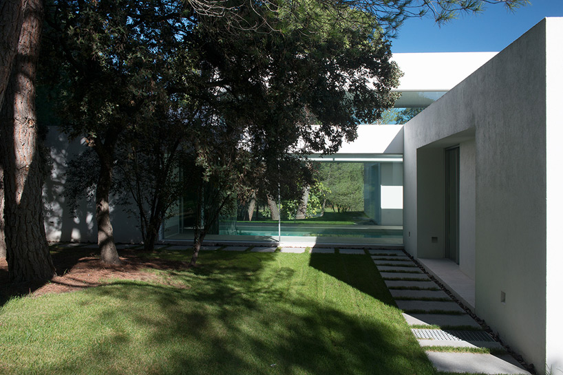 6. Casa Patio - House La Moraleja by Architect Otto Medem, in Madrid
