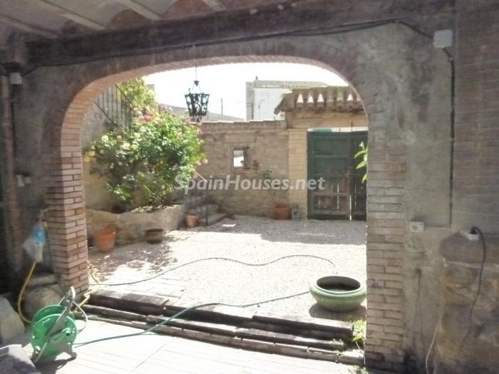 6. Detached house for sale in Cervera (Lleida)