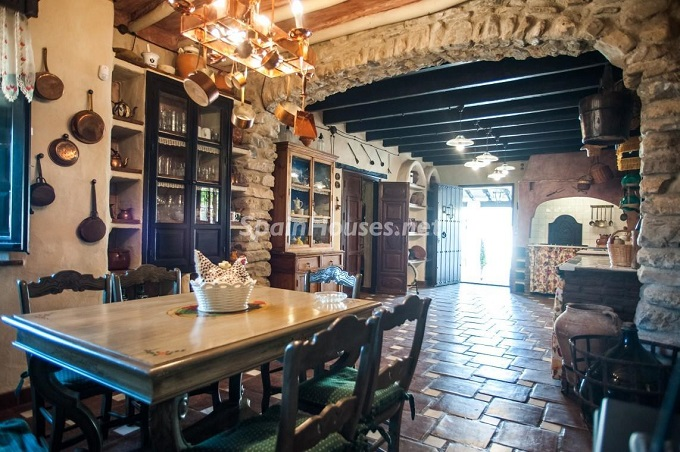 6-estate-for-sale-in-montefrio