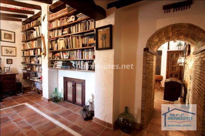 6. Estate for sale in Pizarra, Málaga