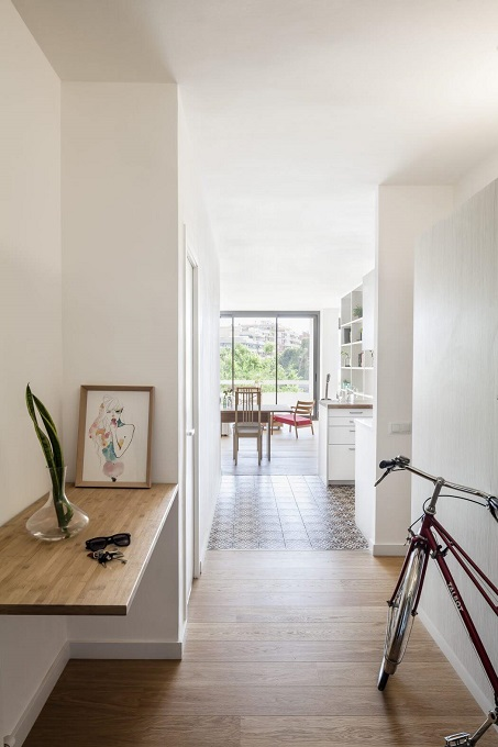 6. Home in Barcelona by Roman Izquierdo Bouldstridge 1 - Apartment Renovation in Barcelona by Roman Izquierdo Bouldstridge