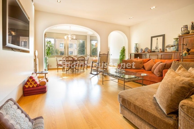 6. Home in Gràcia Barcelona - For Sale: Terraced house in the heart of Barcelona city