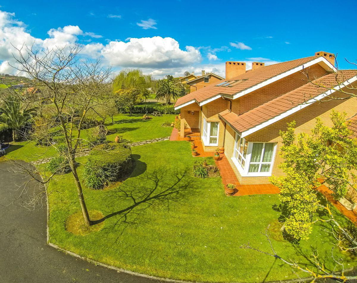 6. House for sale in Gijón - For Sale: 5 Bedroom House in Gijón (Asturias) with Outstanding Garden